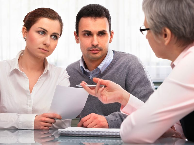 Семейный адвокат знает, как поступить в сложный момент