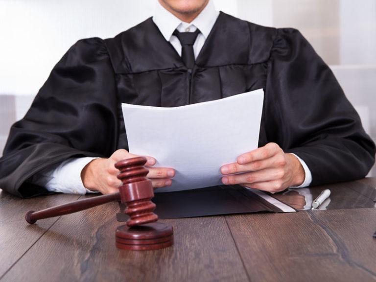 в судебном разбирательстве по делам об установлении юридических фактов имеют ощущение