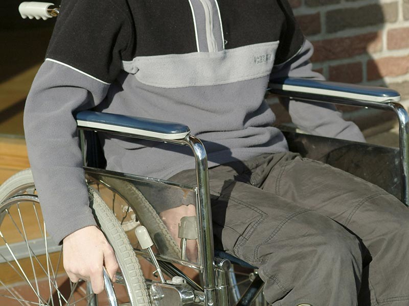 Могут ли выселить из квартиры инвалида в связи с неуплатой?
