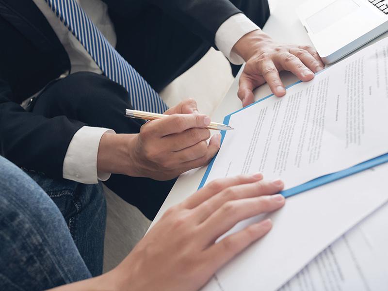 Что делать если банк не выдает кредитный договор на руки?