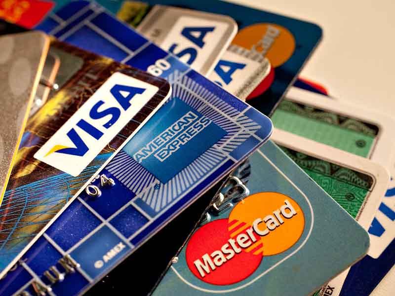 Какие кредитные карты лучше не оформлять в банках?