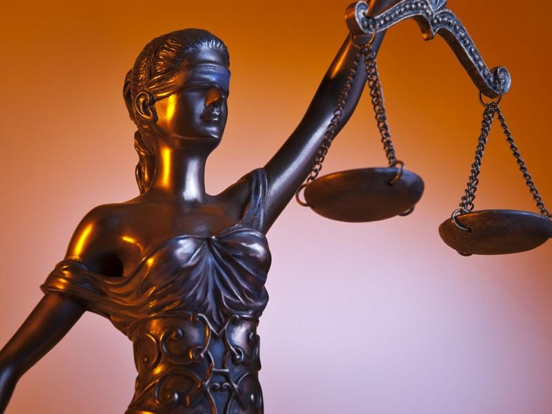 Почему не стоит идти в суд без юриста?