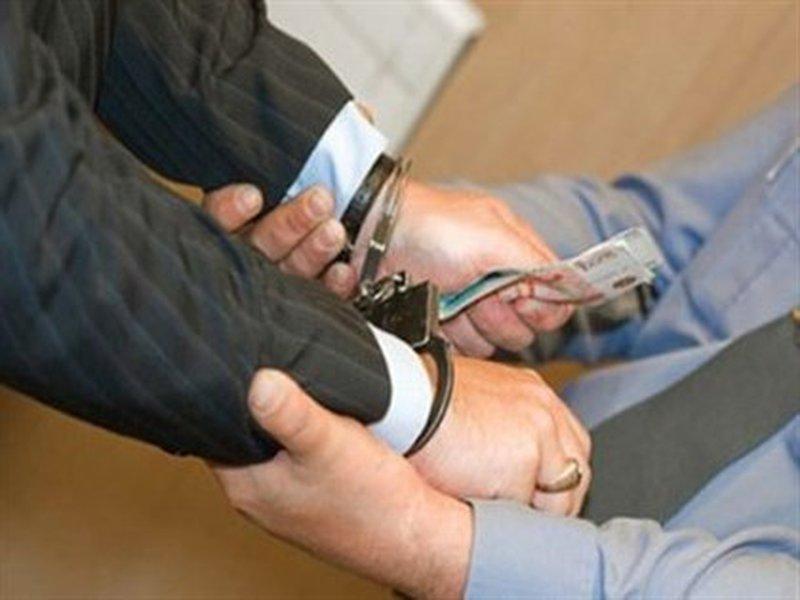 Что делать, если судебный пристав вымогает взятку?