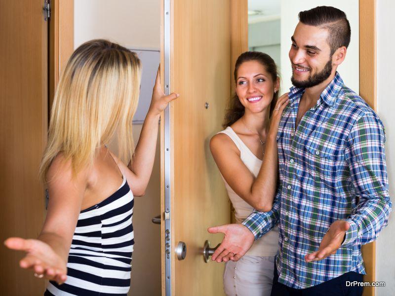 Что нельзя делать с жильем без согласия соседей?
