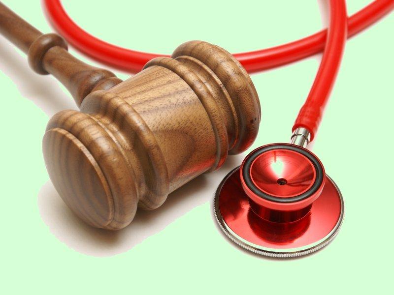 Как подать в суд на врача?