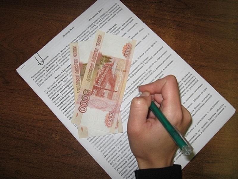 Добиваться снижения алиментных выплат целесообразно через суд