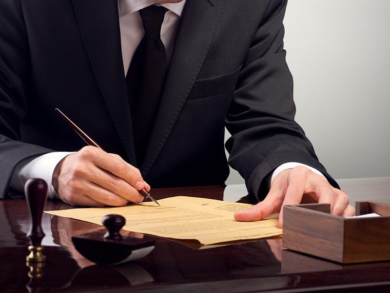 Юрист или адвокат? Услуги какого специалиста вам требуются на самом деле