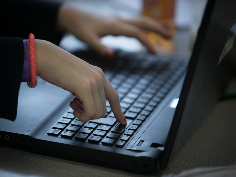 Коллекторы ищут должников в соцсетях