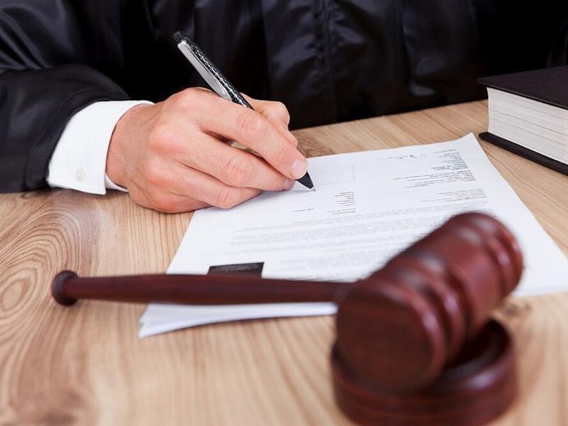 С какого момента должника признают злостным неплательщиком?