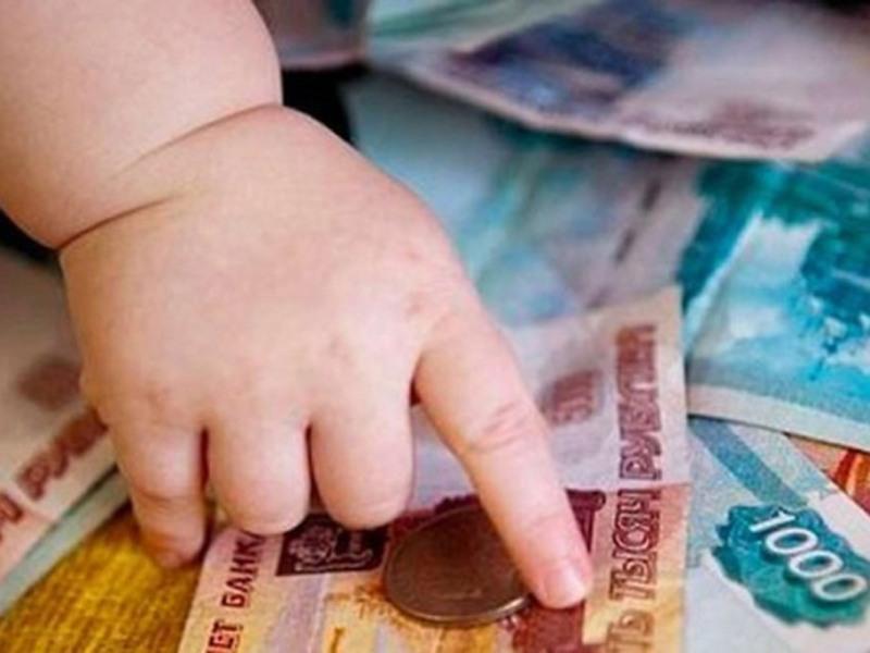 Какая сумма алиментов положена на содержание матери ребенка?