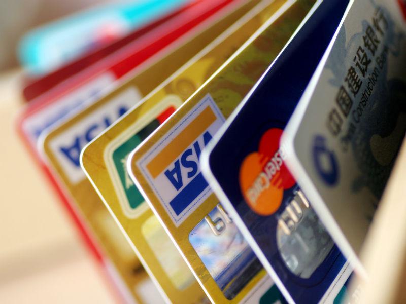 Могут ли судебные приставы списывать деньги с Золотой карты должника?