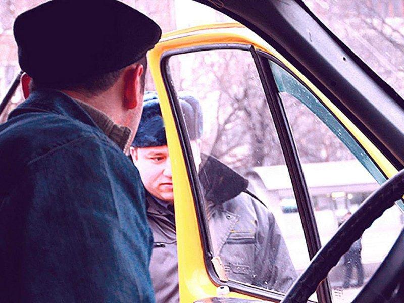 Иностранцам могут запретить работать в такси