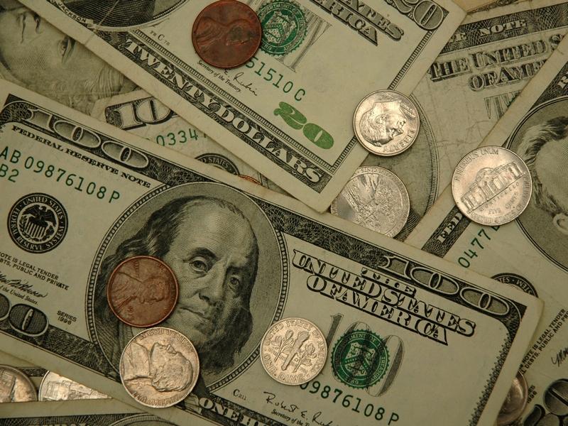 Чем опасны деньги с печатью банка: Осматривайте купюры при получении!
