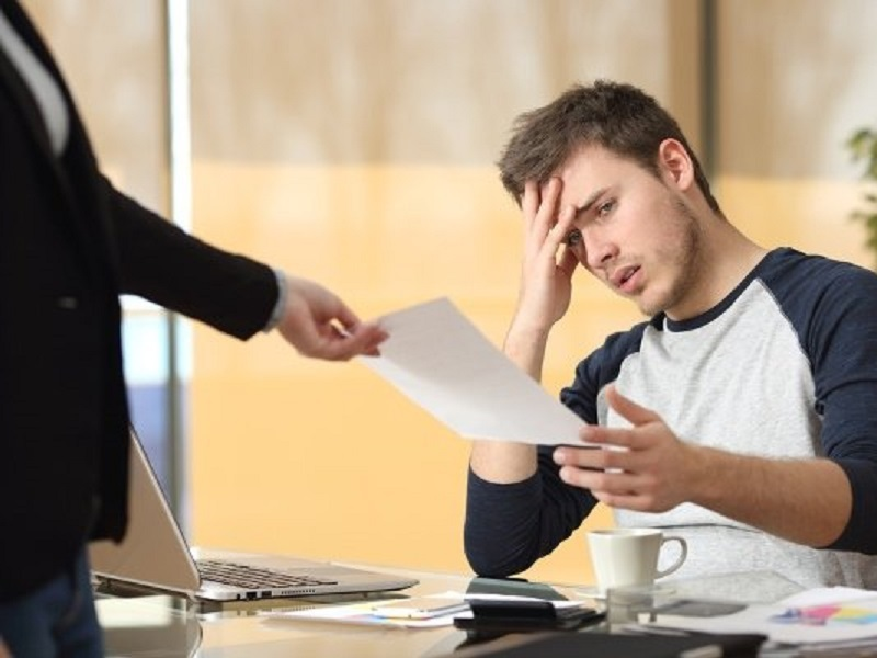 В каких случаях работник обязан компенсировать убытки причиненные работодателю?