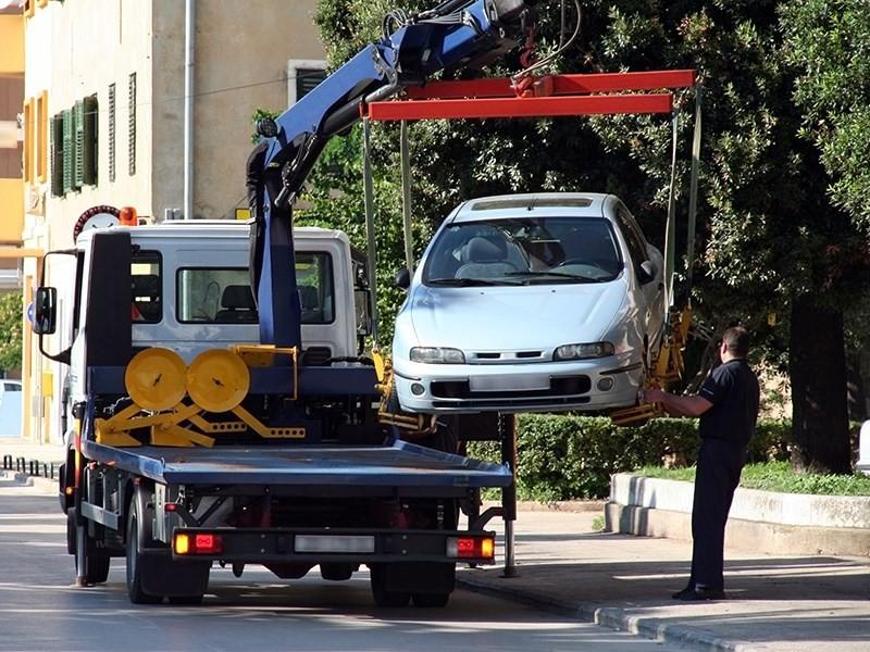 Можно ли вызвать эвакуатор чтобы он забрал чужую машину?