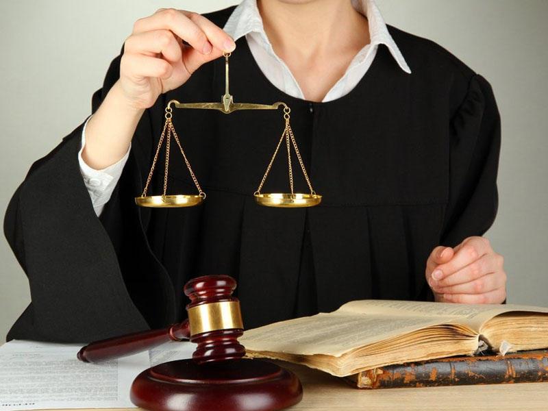 Суд запретил главбухам уходить с работы без разрешения