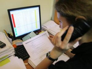 Сотрудник коллекторского агентства после увольнения рассказал об издевательствах над должниками