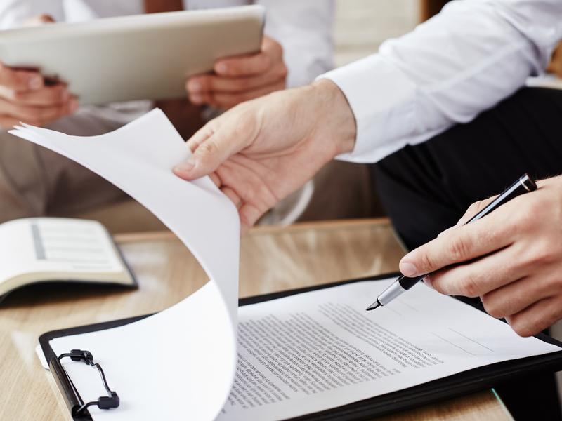 Как можно проверить подлинность документов на квартиру?