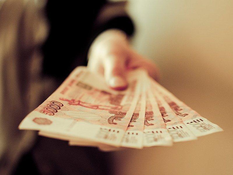 Облагается ли налогом дарение денег?