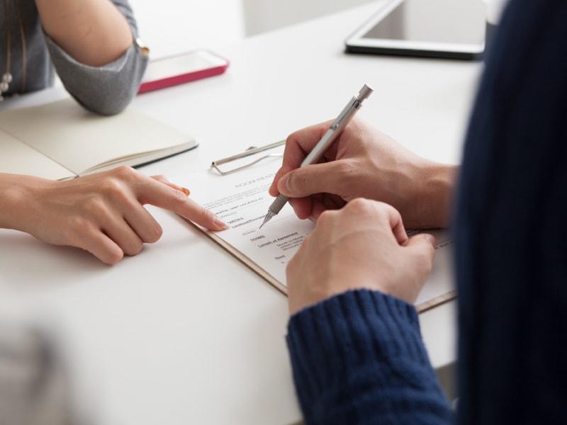 Защита поручителя от существующих рисков во время взятия кредита заемщиком