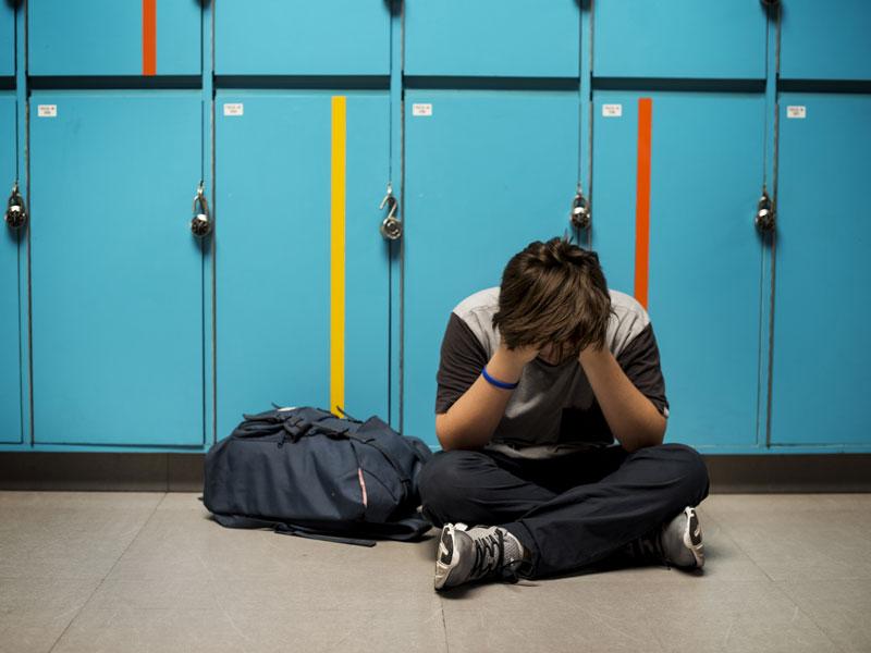 Привлекут ли учеников 16 лет, если они отбирают вещи у одноклассников?