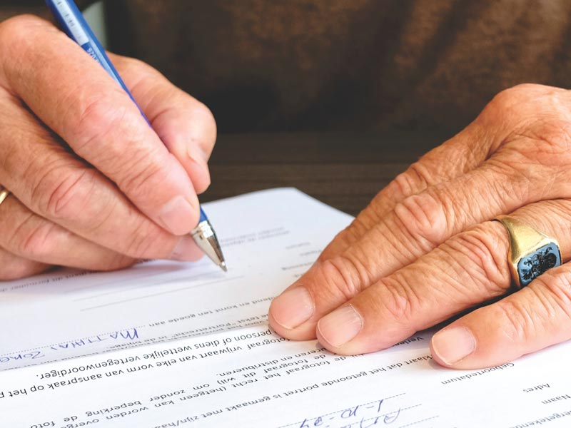 Что выгоднее – оставить завещание либо договор дарения?