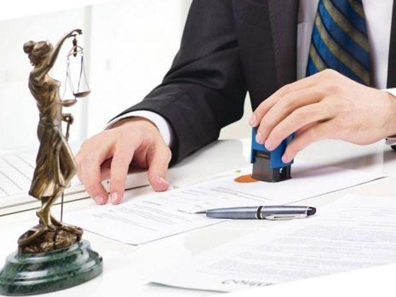 При сделках с недвижимостью без юриста не обойтись?