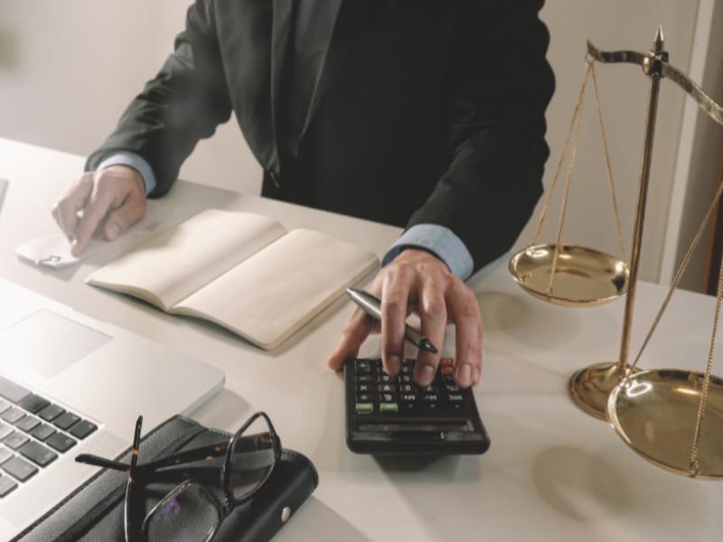 Банк подал в суд о взыскании долга по кредиту. Что делать?