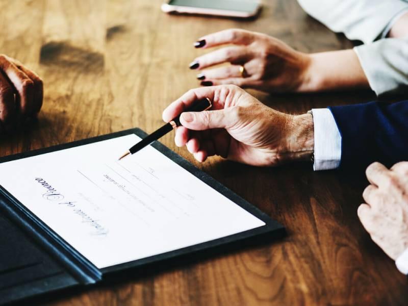 Как при расторжении брака правильно поделить долги?