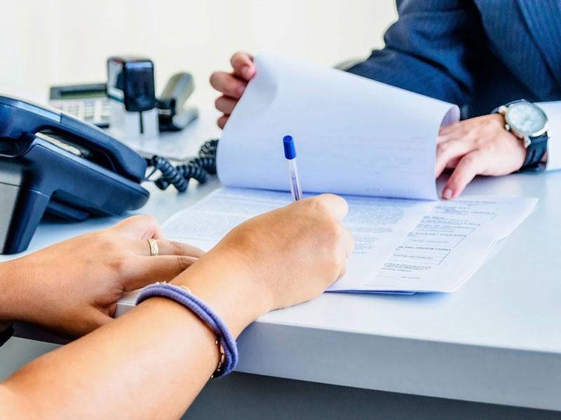 Должен ли клиент банка платить за навязанные услуги?