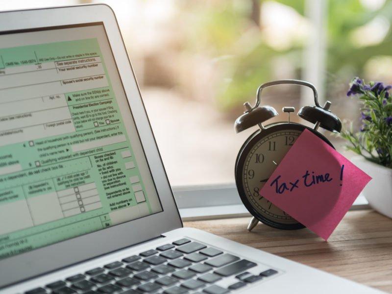 Нужно ли платить налоги если ты работаешь в интернете?