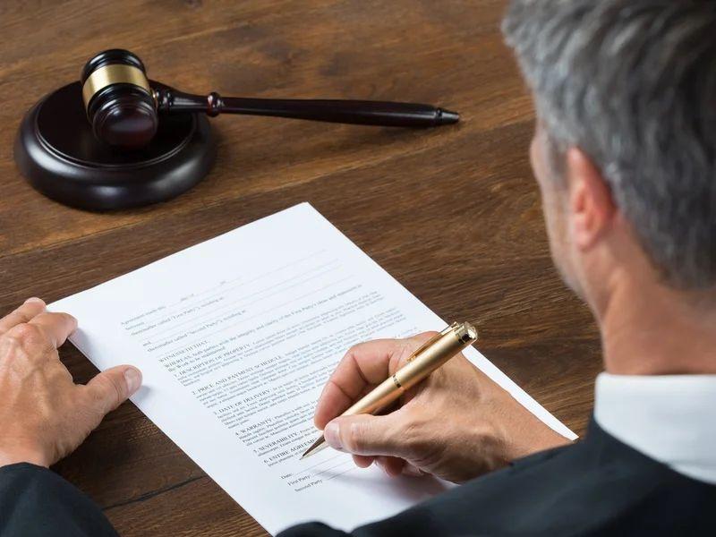 Как обжаловать порядок предоставления жилого помещения по договору социального найма?